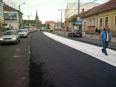 Reabilitare drum, strazi Cluj-Napoca cu geocompozit antifisura asfalt